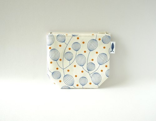 / Lantern flower - white / / corner purse / card storage bag / make-up small bag / carry bag