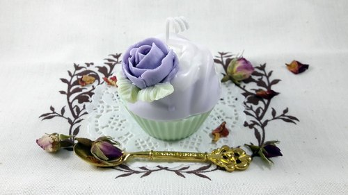 【Miss coco fragrance log】 garden fragrance ♥ cup cake squeeze fragrance soy candle