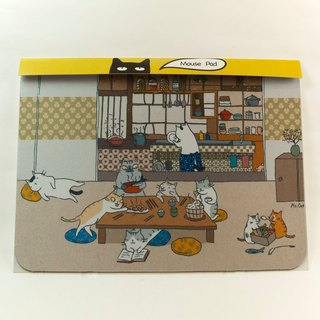 Three cat shop ~ cat family dinner mouse pad