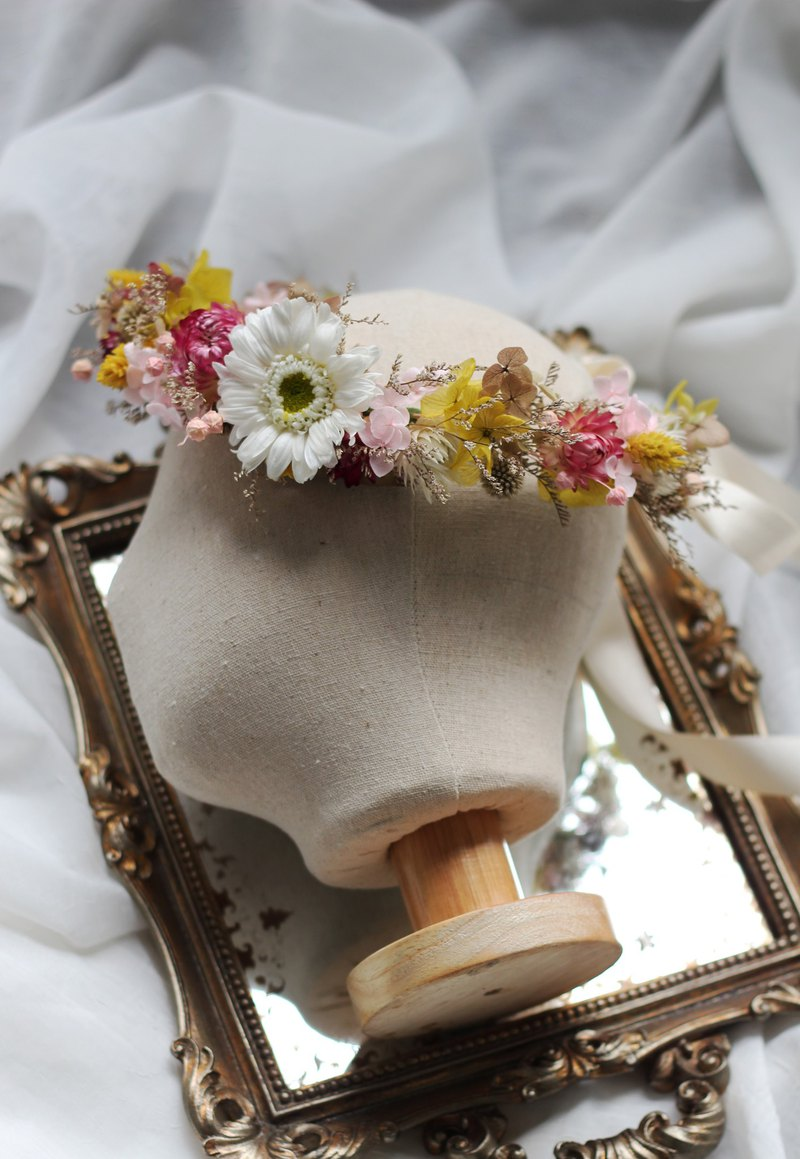 Bridal Corolla (non-withered and dried flower series) Department of forest cosmos