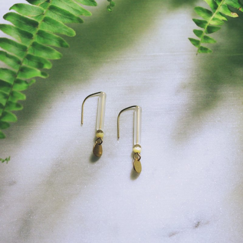 // Resin cat eye stick ear type ear hook khaki // ve207