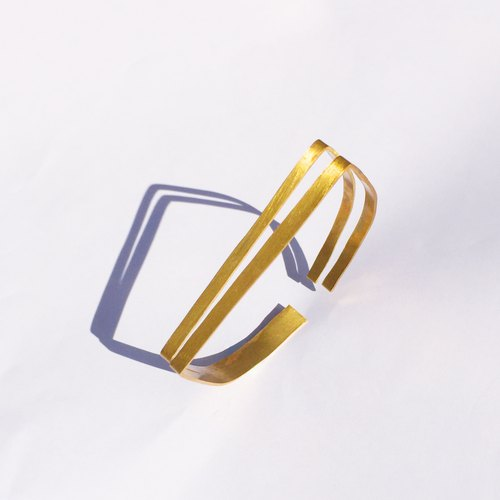 Simple shape bracelet