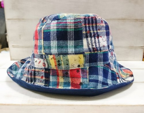 Collage Plaid & warm dark blue plain-sided hat / visor