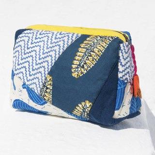 Valentine's Day gift Mother's Day gift birthday gift a limited edition blue stained patch storage bag / ethnic wind bag / camera bag / woodcut cosmetic bag / phone bag / travel clutch - indigo blue forest flowers