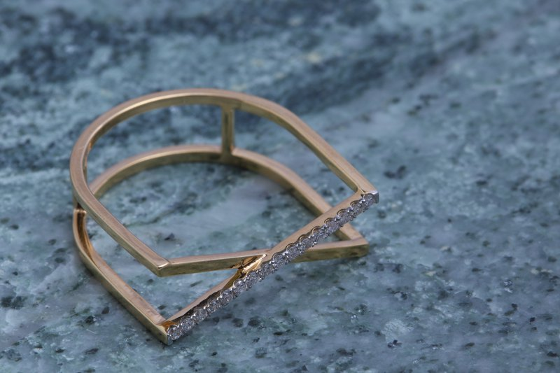 18K gold line delicate and delicate small nail ring