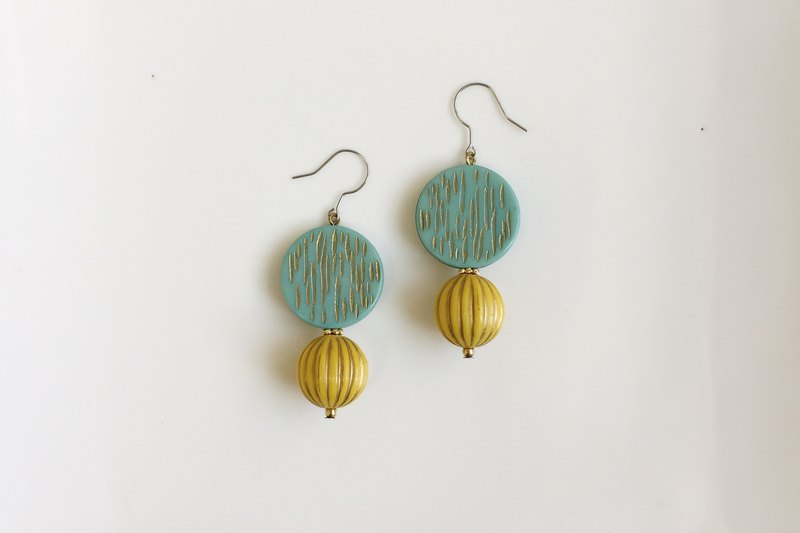 Mustard colored drizzle antique resin earrings only one