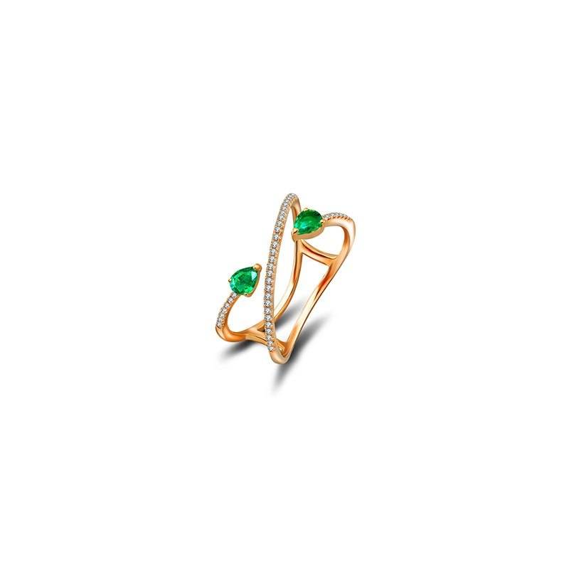 Emerald Arrow Spiral Diamond Ring