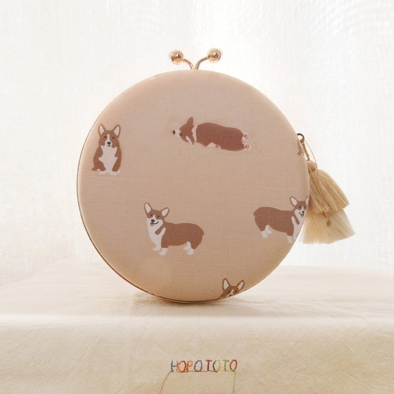 I LOVE MY DOG My family's Corgi dog small round dog double-sided embroidery hand-slung mobile travel