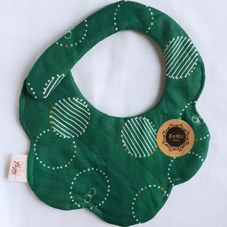 Geometric coil butterfly - green - eight layer yarn 100% cotton double-sided random arc shape bib. Saliva towel