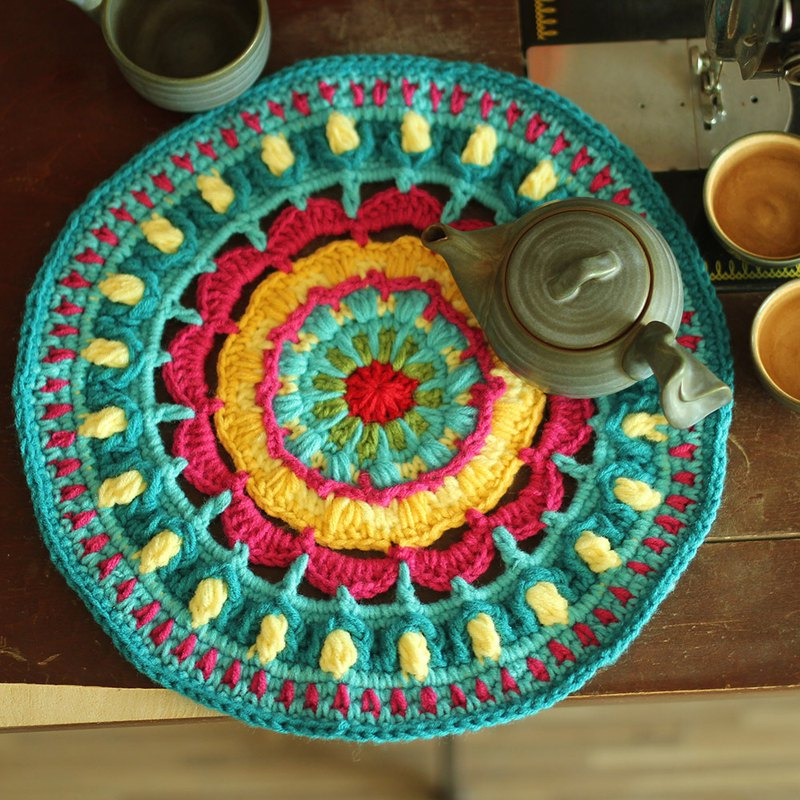Retro round tea tray placemat pad placemat crochet hook flower mandala plate pad coaster pot pad