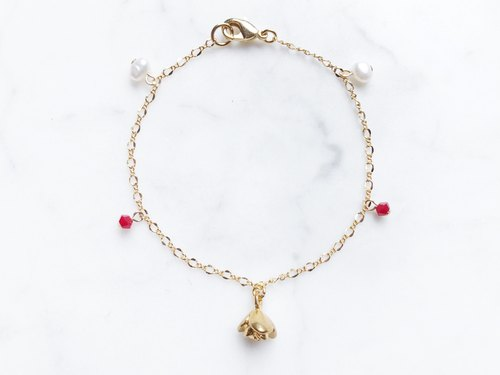 :: Limited Offer :: Three-dimensional rose pearl bracelet