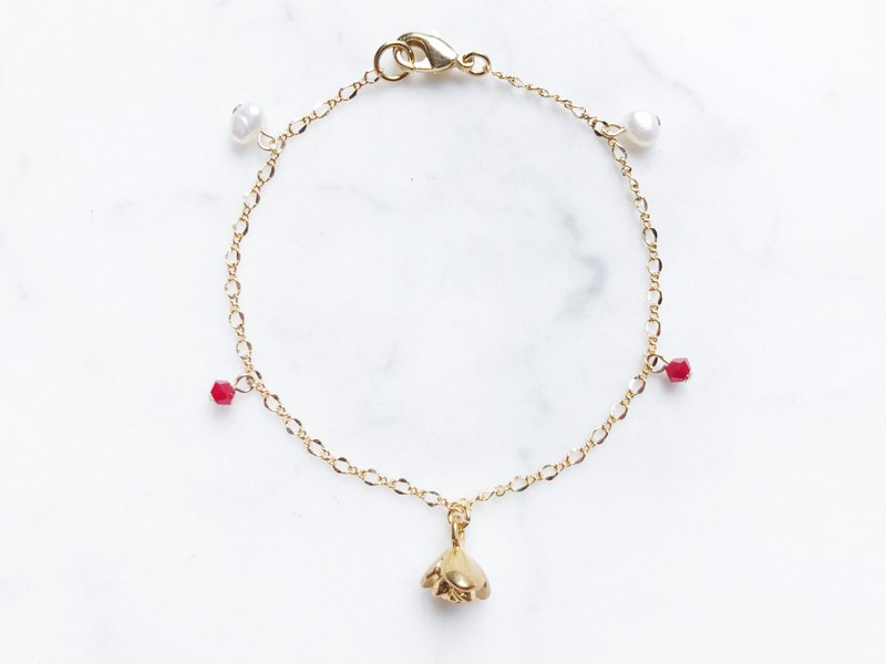 ::Limited Offer:: Three-Dimensional Rose Pearl Fine Bracelet