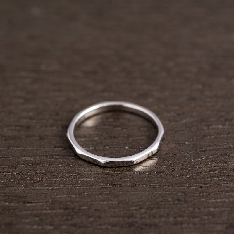 Octagonal sterling silver line ring