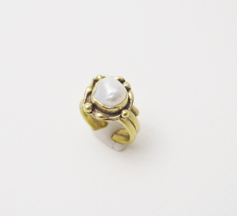 Brass.Pearl.Vintage Series - Open Wide Ring #1