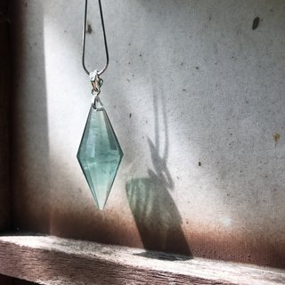 [Lost and find] natural stone fluorite stone necklace