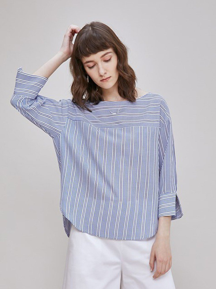 Blue and white jacquard striped shirt / blue