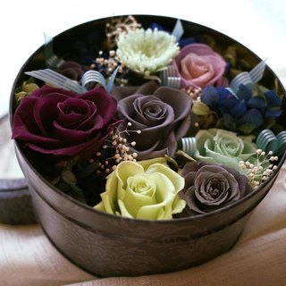 [Small round iron box flower ceremony] proposal / opening / birthday / gift / home / graduation / no withered flowers + dry flowers
