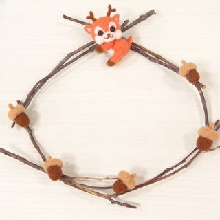 reindeer wreath- Wool felt  (key ring or Decoration)