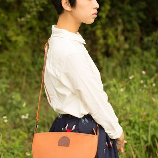 {C arrya L eather P ack} 2 - way B ag mountain girl half bag shoulder bag - brown coffee ***Hong Kong and Taiwan, the implementation of free transport***