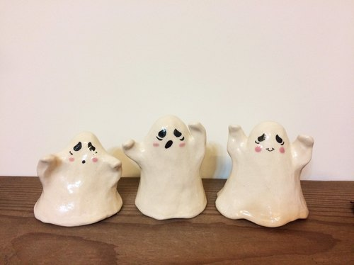 Hand-made ceramic jewelry Halloween - Happy Ghost