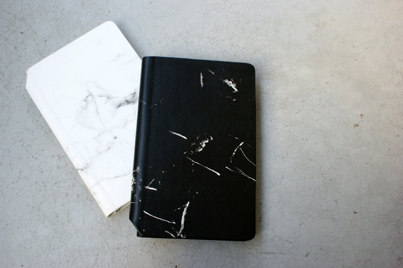 A5 marble pattern notebook (black)