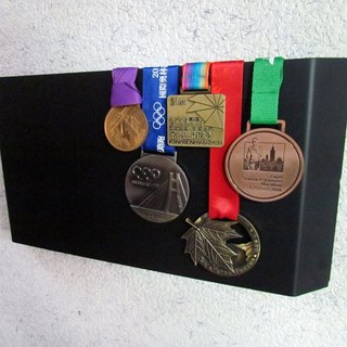 * Ultimate freedom * wall-mounted medal stand, with their own medal rack painting, strong texture, different space to use the proposal, medal hanger, buy road running jogging shoes sports pants also see this