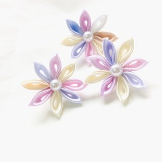 Kanzashi ribbon flower lapel pin (つまみ細工)