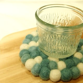 """Bleating sheep housing felt"" Tiffany Limited color balls of wool felt coasters"