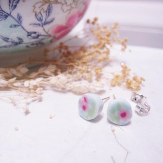// 2nd use flowers and leaves ornaments / ceramic ornaments / fracture traces / mint blue ceramic handmade earrings