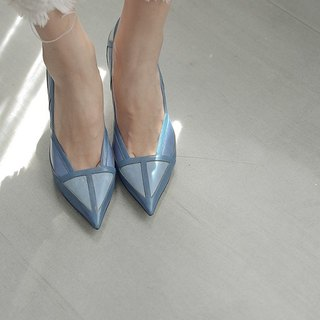 Broken geometric cut surface pointed leather fine high heel blue