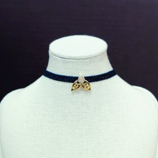 Monde des Insects series delicate bee sterling silver plated 18k gold collar