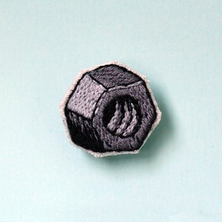 Mini handmade embroidery pin - Nuts