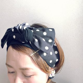 ribbon hair band  Tshirt Black X polka dots pattern
