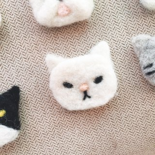 Wool pets - White cate  brooch
