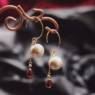 Swanlace cream white cotton pearl 14kgf gold handmade earrings / ear clip