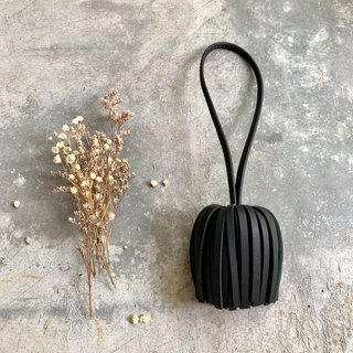 KAKU handmade leather leather tassel black