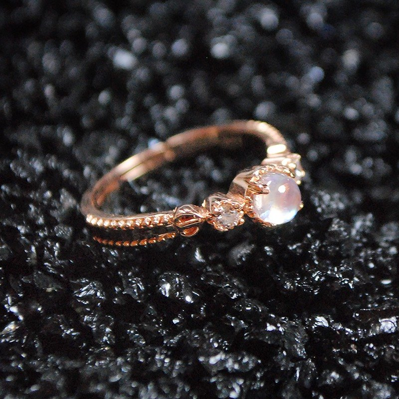 ESCA STUDIO • s925 Silver Natural Moonstone Ring Ring / Rose Gold
