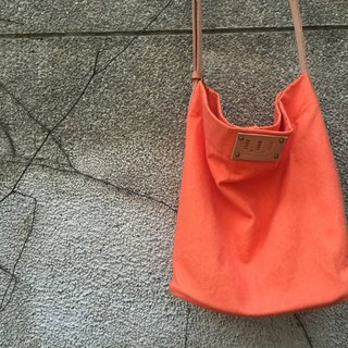 Square tube wash canvas bag / Street Bucket Bag / Canvas / cow leather handle / limited edition orange / Discounts