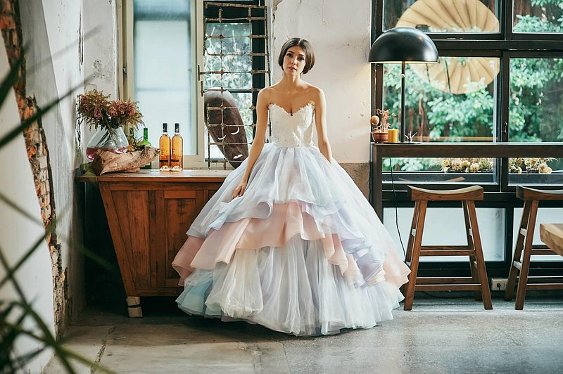 為女神安心亞在戲劇 你有唸大學嗎 設計的女神款經典婚紗