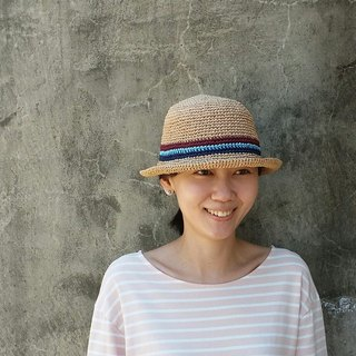 Straw hat - warm linen color