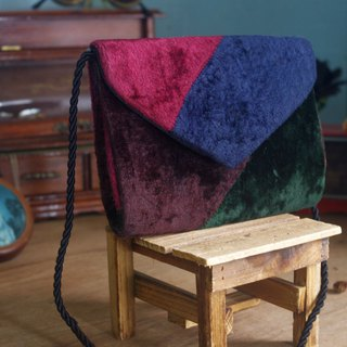 European Treasure Hunting Antique Bag - Geometric Color Block Flocking Retro Compact Side Backpack