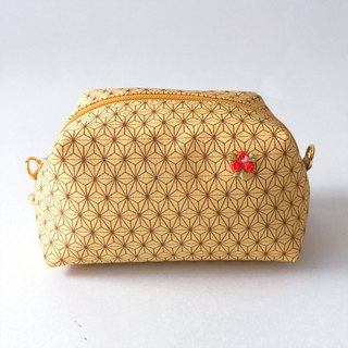 "Pouch with Japanese traditional pattern, Kimono (Medium) ""Silk"""