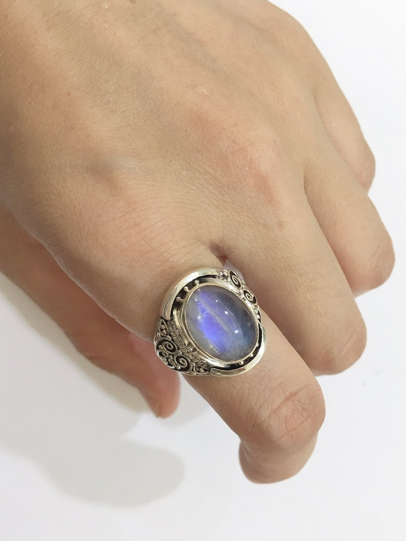 Nepalese wind national wind ice moonstone ring handmade