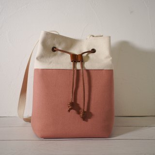 Traveler series cross-body bag / bucket bag / limited manual bag / berry powder / pre-order
