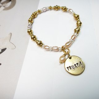 "Bracelet ◎**guest carved lettering light pearl brass hand string ""Valentine's Day / Christmas gift"" 【Customized】"