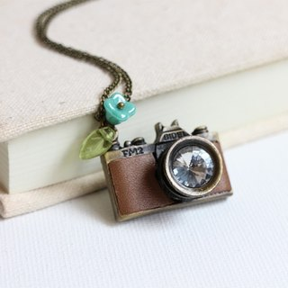 Leather camera necklace romantic spring
