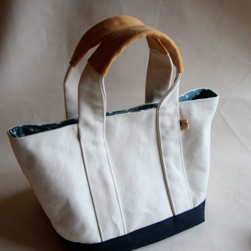 Cotton Fabric: Tote bag, Shoulder bag,  white and blue