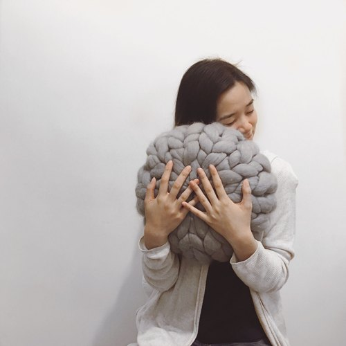 Chunky Cushion (Round)