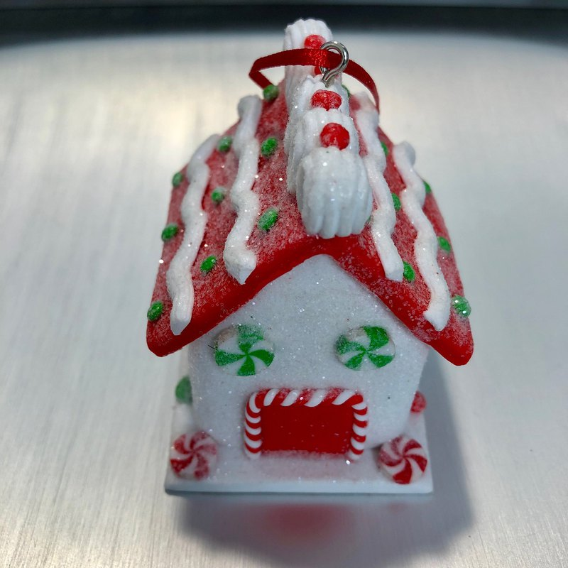 Three-dimensional candy Christmas house