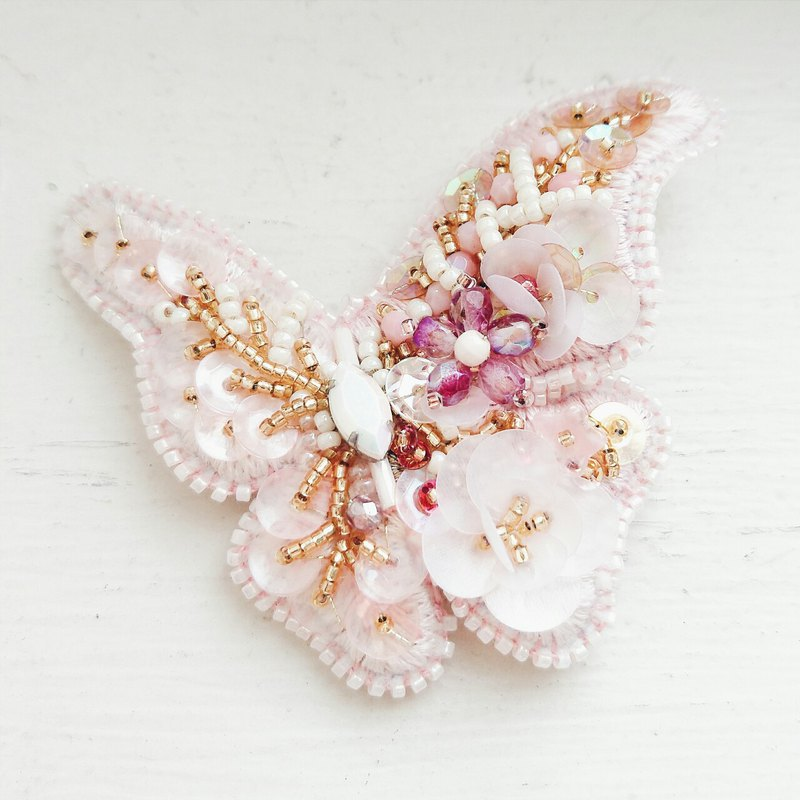 Momolico hand-embroidered brooch butterfly